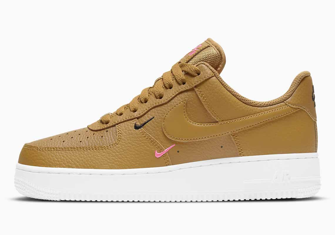 Nike Air Force 1 07 Essential Hombre